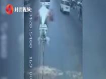 公交司机突然停车跳窗,竟是为了……