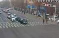 渭南城区一男子驾车路口突发疾病 交警紧急送医
