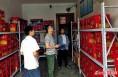 华州区安监局检查烟花爆竹市场