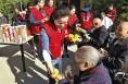 华阴:志愿服务情暖老人