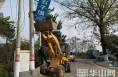 韩城清理非公路标志  还公路安全整洁