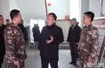 渭南高新区管委会主任薛清军看望慰问困难党员、困难群众和武警部队