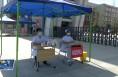 共青团临渭区委组织爱心志愿者为高考学子保驾护航