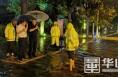 华阴市委书记朱忠效夜查城市防汛工作