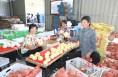 """渭南市""""促消费 惠民生 助脱贫""""媒体团走进澄城县龙首现代农业园区"""