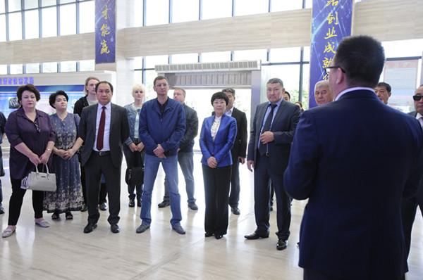 俄罗斯及吉尔吉斯斯坦政企代表团来渭南高新区考察 中国金融商报网 china.prcfe.com