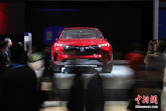 通用汽车旗下别克品牌纯电概念车在进博会上展示。张亨伟 摄
