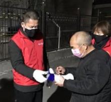 蒲城县:社区党员日夜兼程 巾帼不让须眉