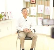钟南山:新冠病毒传染性比SARS强 防治疫情还要靠疫苗