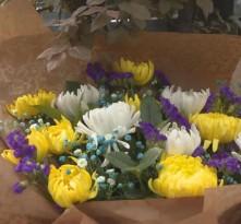 渭南:鲜花代替纸钱成为清明祭祀新风尚