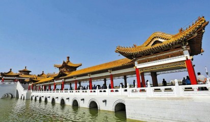雨过天晴 建设中的大荔县南湖景区景色宜人