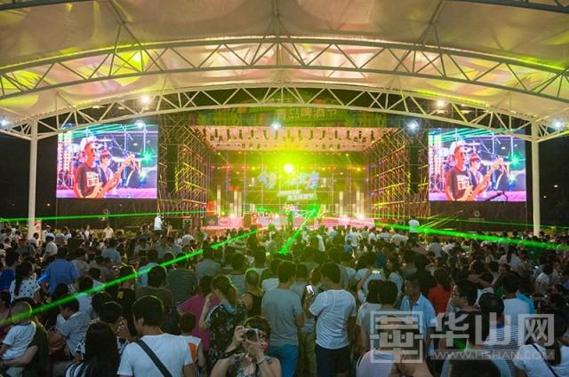 渭南第五届青岛啤酒节在渭南经开区凯泰五金汽配城内盛大开幕