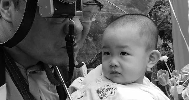澳门新葡京开户特别报道:父亲节——镜头里的父亲!