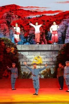 大型阿宮腔紅色現代劇《紅梢林》在富平上演